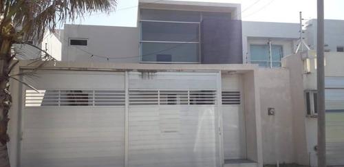 Imagen 1 de 22 de Casa En Venta, Col. Paraiso, Coatzacoalcos, Ver.