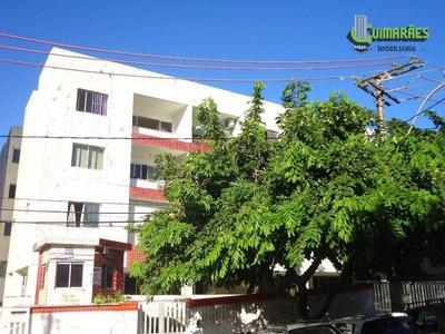 Apartamento Com Dois Quartos. Costa Azul. - Ap0314