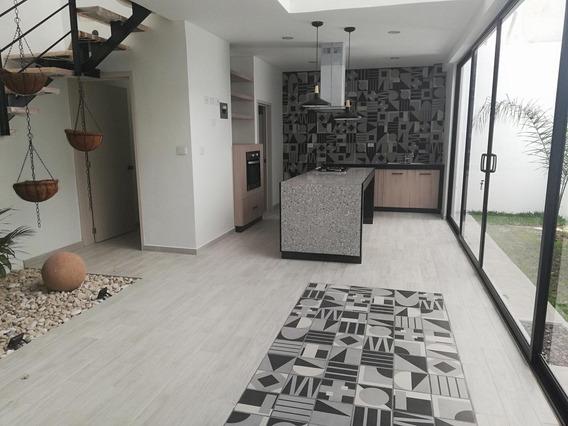Casa - Residencial La Finca. Pedregal De Las Animas