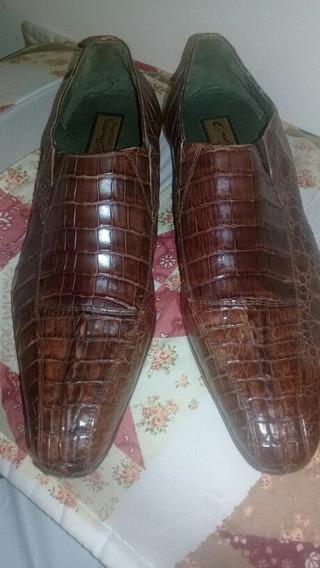 Zapato Cuero Yacaré.