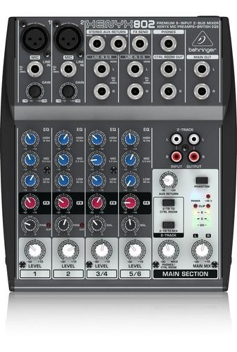 Consola Behringer Xenyx802
