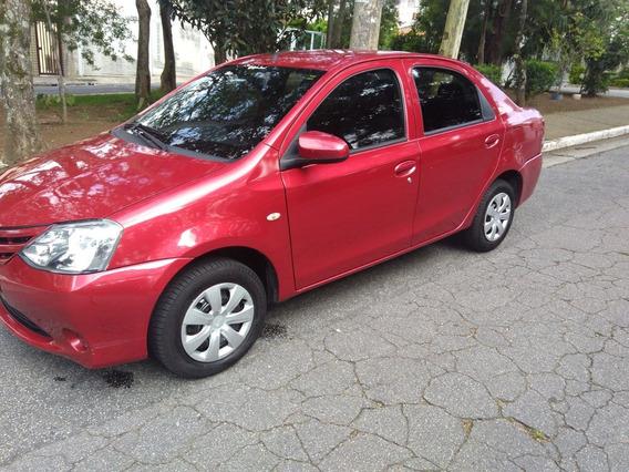 Etios Sedan 1.5 X 4 P Mec. Completo