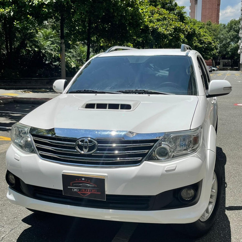 Toyota Fortuner 4x4 Automatica 2014