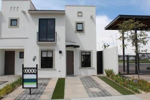 Casa En Renta En El Mirador, Queretaro, Rah-mx-19-2217