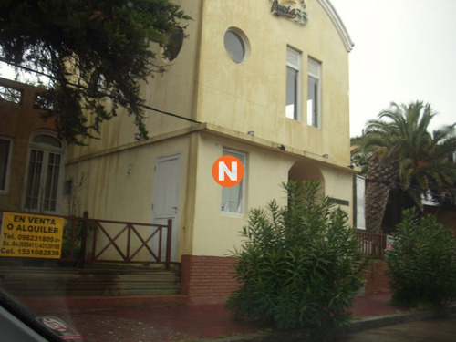 Local En Punta Del Este, Peninsula- Ref: 213127
