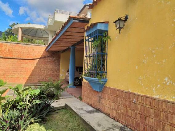 Casa En Urbanización El Castaño De Maracay