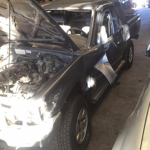Imagem 1 de 6 de Sucata Peças Acessórios Toyota Hilux 2001 Diesel 76cv