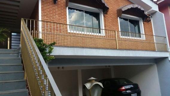 Casa Em Rua Residencial Com + Uma Moradia Nos Fundos Com 1 Dorm. Coz E Wc De Área De Serviço - Mi70261