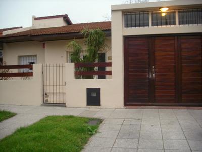 Excelente Chalet 3 Ambientes Con Garage Y Parque