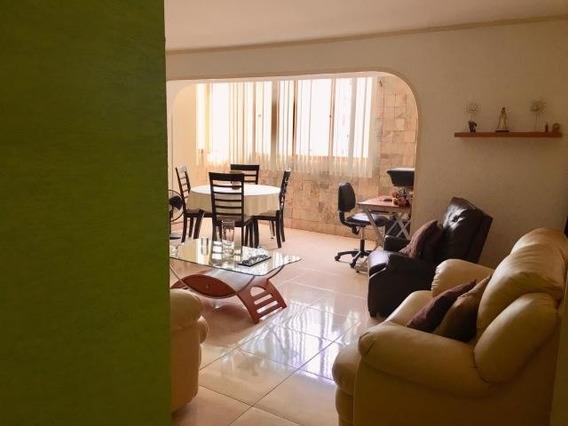 Apartamento En Venta La Candelaria / Código 20-3268 / Helen