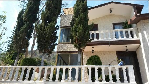 Casa De 1355mts De Terreno, Alberca, 4 Habitaciones