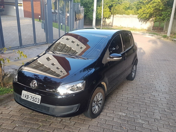 Volkswagen Fox 1.0 12v Bluemotion Total Flex 3p 2014