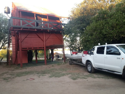 Cabaña En Tres Plantas Con Cochera 2 Baños Y Seguridad 24 Hs