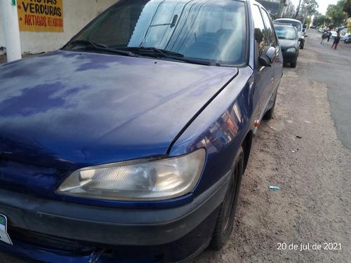 Imagem 1 de 11 de Peugeot 306