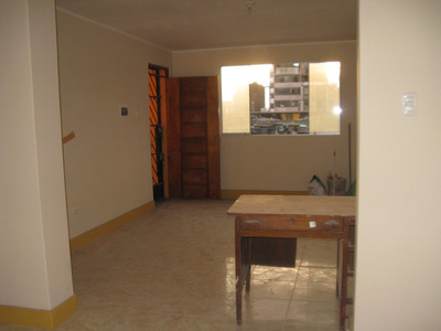 Local Comercial En El Corazon De Gamarra 70 Mt2 Canepa