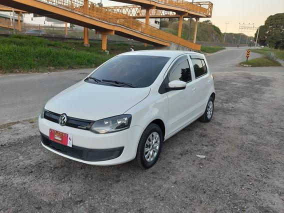 Volkswagen Fox Ano 2013 1.6 Bluemotion Total Flex 5p Top