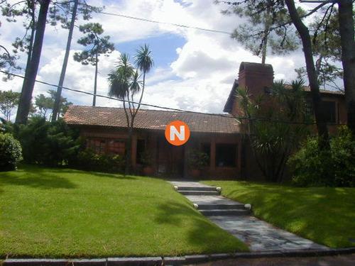 Casa En Venta Y Alquiler, Mansa, Punta Del Este, 4 Dormitorios.- Ref: 206136