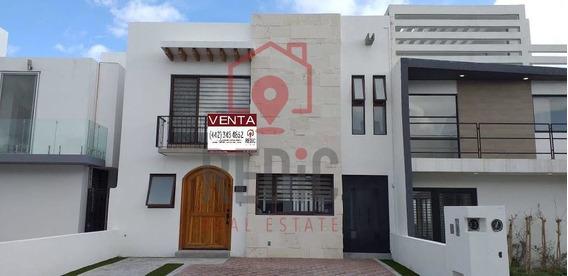 Casa De 3 Hab + Sala De Tv En Grand Juriquilla
