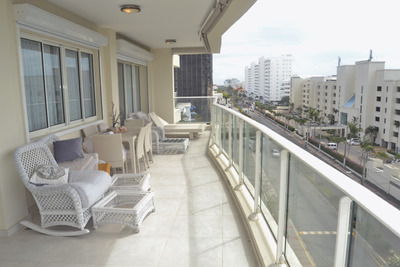 Apto. Amplia Terraza Vista Al Mar, Club Hemingway Resort