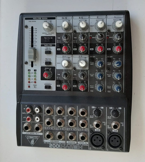 Mesa De Audio Com 08 Canais Para 2 Microfones