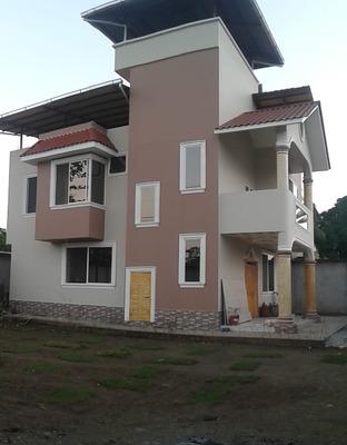 Arriendo Casa En Lago Agrio ,barrio Cañaberal