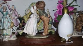 Casal De Dancarinhos Em Porcelana