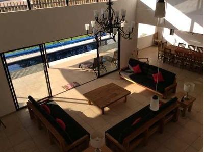 Preciosa Residencia 1000m2t, 503m2c, Alberca, Amueblada