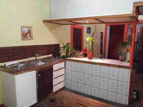 Casa Curridabat Centro. Dos Casas Y Una Bodega En Remate