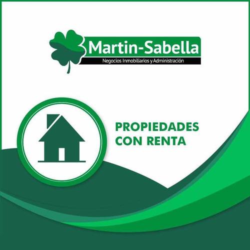 Edificio/ Apartamentos / Locales Con Renta La Comercial