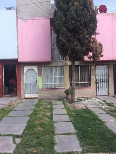 Casa En Venta 4 Recámaras En Héroes Tecamac Cerca De Zona Bancos