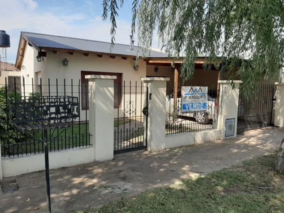 Casa 5 Ambientes 1 Baño Y Garage