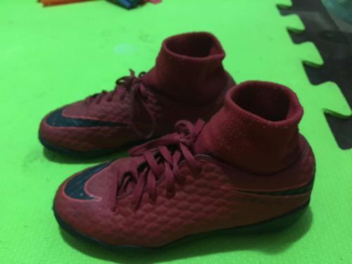 b7026595d1 Chuteira Nike Futsal Cano Alto Rosa - Esportes e Fitness no Mercado ...
