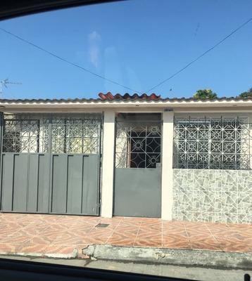 Alquilo Bonita Villa En Guayacanes