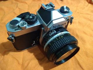 Cámara Nikon Fm + Lente Nikon 50mm 1:1,4