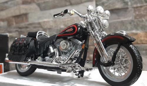 Imagen 1 de 7 de Moto Harley Davidson Maisto Escala 1/18 De Coleccion