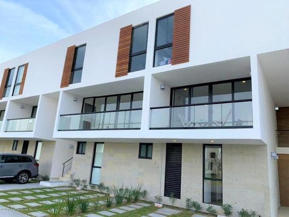 Departamento Duplex En Renta - Altos De Juriquilla