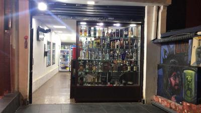 Se Vende Licoreria En La Mariscal Excelente Clientela Fija