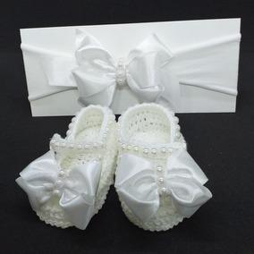 Sapatinho De Crochê Branco Com Faixa Cabelo Tam Rn