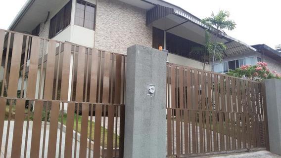 Amplia Casa En Venta En El Carmen Panamá