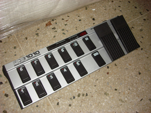 Controlador Midi Behringer Fcb1010 Pedalera