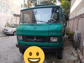 Mercedes-benz D608