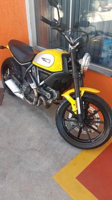 Ducati Scambler Icon 800cc - Potência, Segurança, Tecnologia
