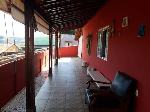 Casa Alto Padrão Em Baependi Sul De Minas , Casa Com 3 Quartos , 02 Suítes  , Todo Murado , No Centro Da Cidade, Vaga 06 Veículos. - 949