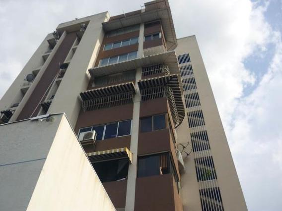 Apartamento En Venta Res Don Angel Centro Cod. 19-2434