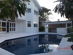 Bela Casa Para Alugar Na Região Central De Alphaville - Ca0007