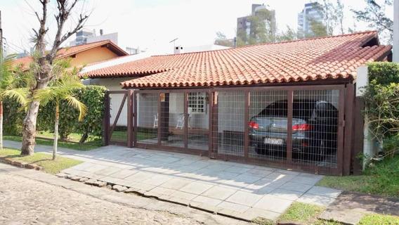 Casa Em Torres, 1 Quadra Praia, 3dorm. C/dependência, 190m2