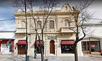 Venta De Casa Tipo Petit Hotel, 5 Dormitorios Muy Buen Estado Pehuajó