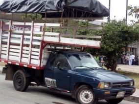 Toyota Hilux De Eestacas