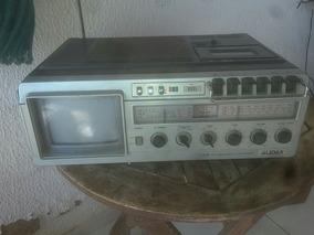 Antigo Rafio E Tv E Cassete