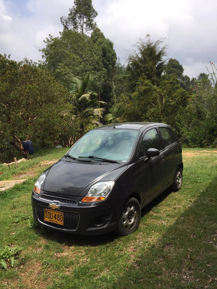 Chevrolet Spark Modelo 2016 Gris Galapago.tiene 3 Detalles